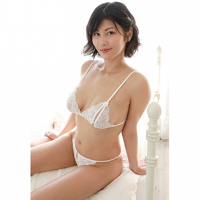 CRESCENTE - CR-004 White Rose Peek-A-Boo Bra Set