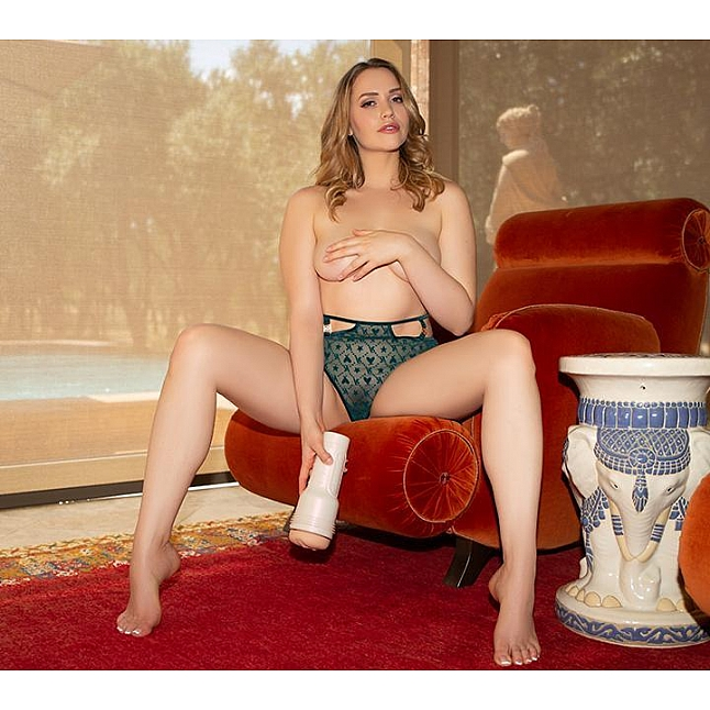 Fleshlight Girls - Mia Malkova